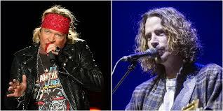 """I Guns N' Roses ricordano Chris Cornell con una cover di """"Black Hole Sun"""" – VIDEO"""