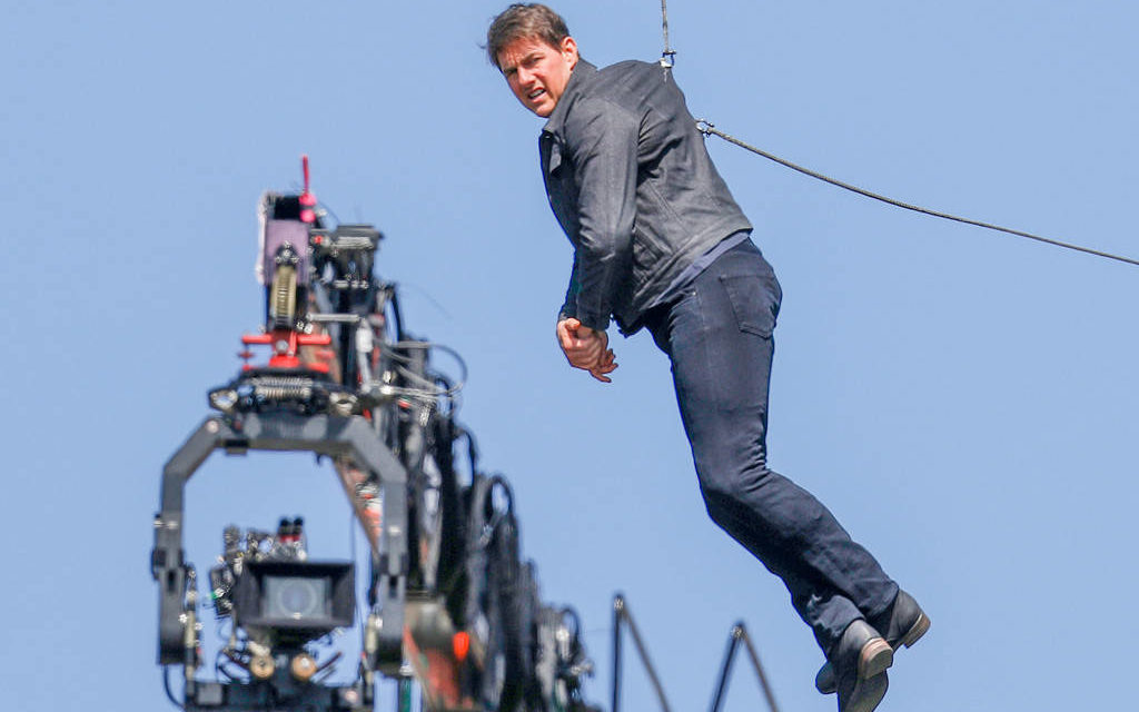 Incidente per Tom Cruise sul set di Mission Impossible 6: interrotte le riprese