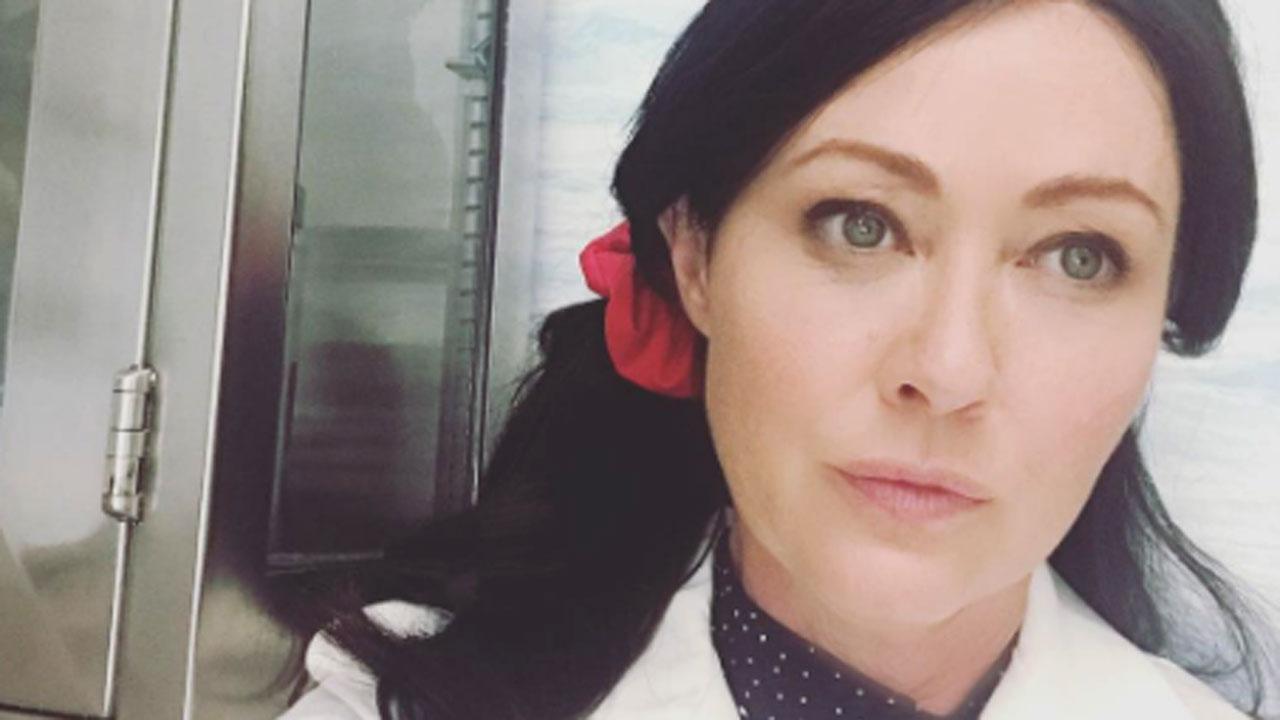 Shannen Doherty pronta per un nuovo ruolo mette in mostra i capelli lunghi