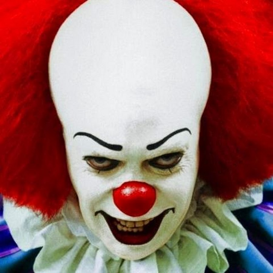 IT: Tim Curry parla del nuovo Pennywise