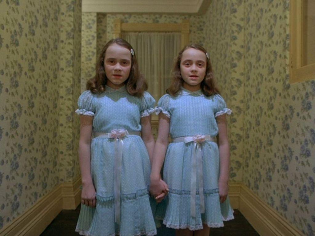 """Shining: le gemelle giudicano come """"spazzatura"""" la miniserie tv"""