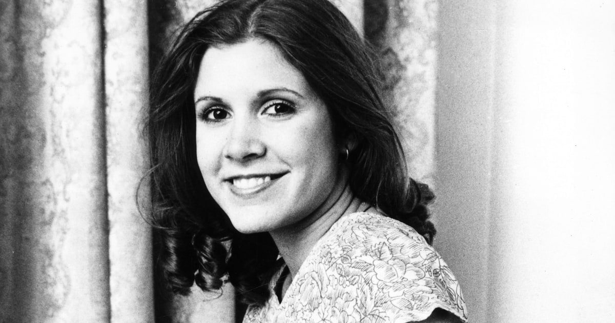 Gli auguri di compleanno a Carrie Fisher: avrebbe compiuto 61 anni