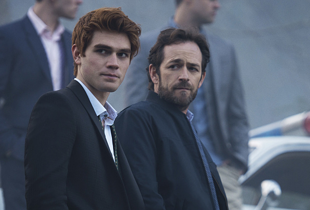 "LUKE PERRY TORNA IN ""RIVERDALE"""