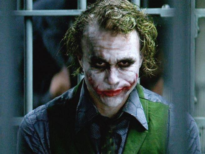Heath Ledger, dieci anni fa la morte del  Joker del 'Cavaliere Oscuro'. Le immagini del backstage