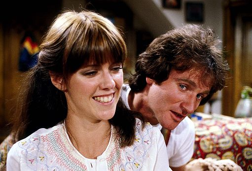 """Robin Williams mi palpò il seno sul set"" (Pam Dawber, la Mindy di ""Mork e Mindy"")"