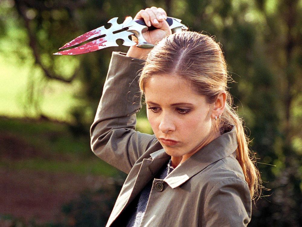 """Sarah Michelle Gellar condivide foto dietro le quinte per il 21esimo anniversario di """"Buffy"""""""