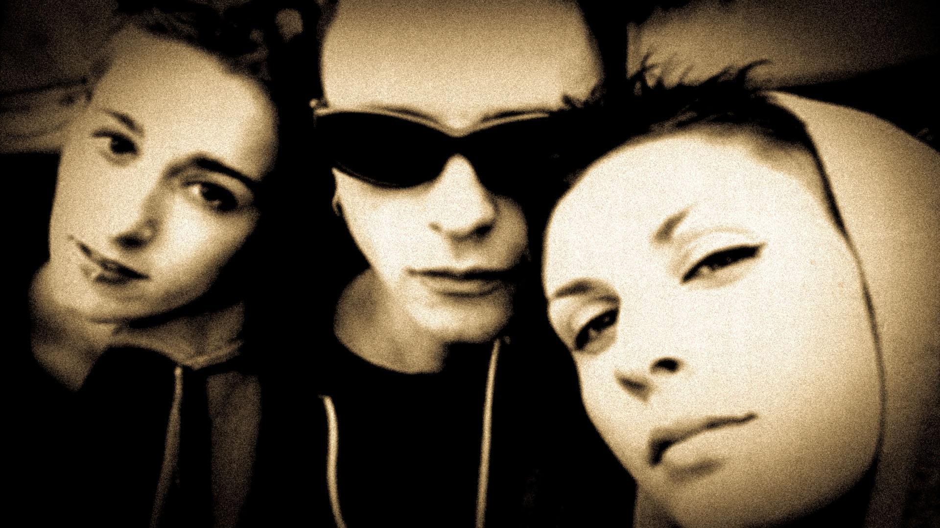 """1998: NELLE RADIO ARRIVANO I PROZAC CON """"ACIDA"""". RIPERCORRIAMO LA LORO CARRIERA:"""