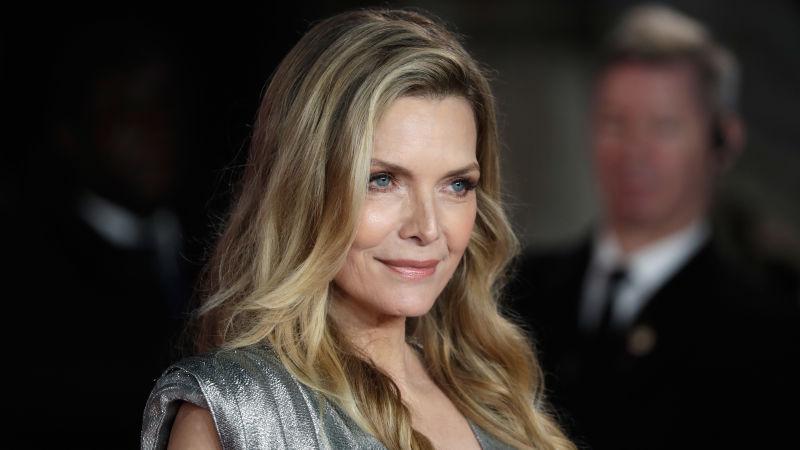 """Michelle Pfeiffer in trattative per entrare nel cast di """"Maleficent 2"""" con Angelina Jolie"""
