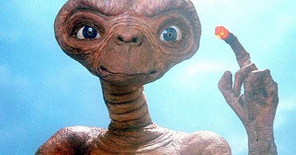 11/06/1982: usciva in America E.T. – L'Extraterrestre.