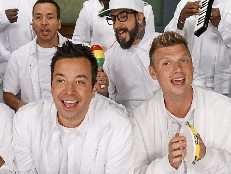 "I Backstreet Boys cantano ""I Want It That Way"" con gli strumenti giocattolo"