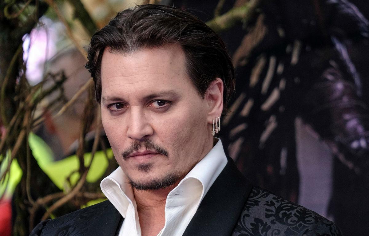 """Johnny Depp si confessa tra alcool, divorzio e depressione: """"Ho toccato il fondo"""""""