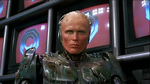 Neill Blomkamp vuole Peter Weller per Robocop Returns