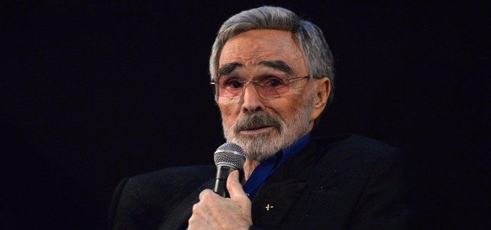 Addio a Burt Reynolds, morto a 82 anni