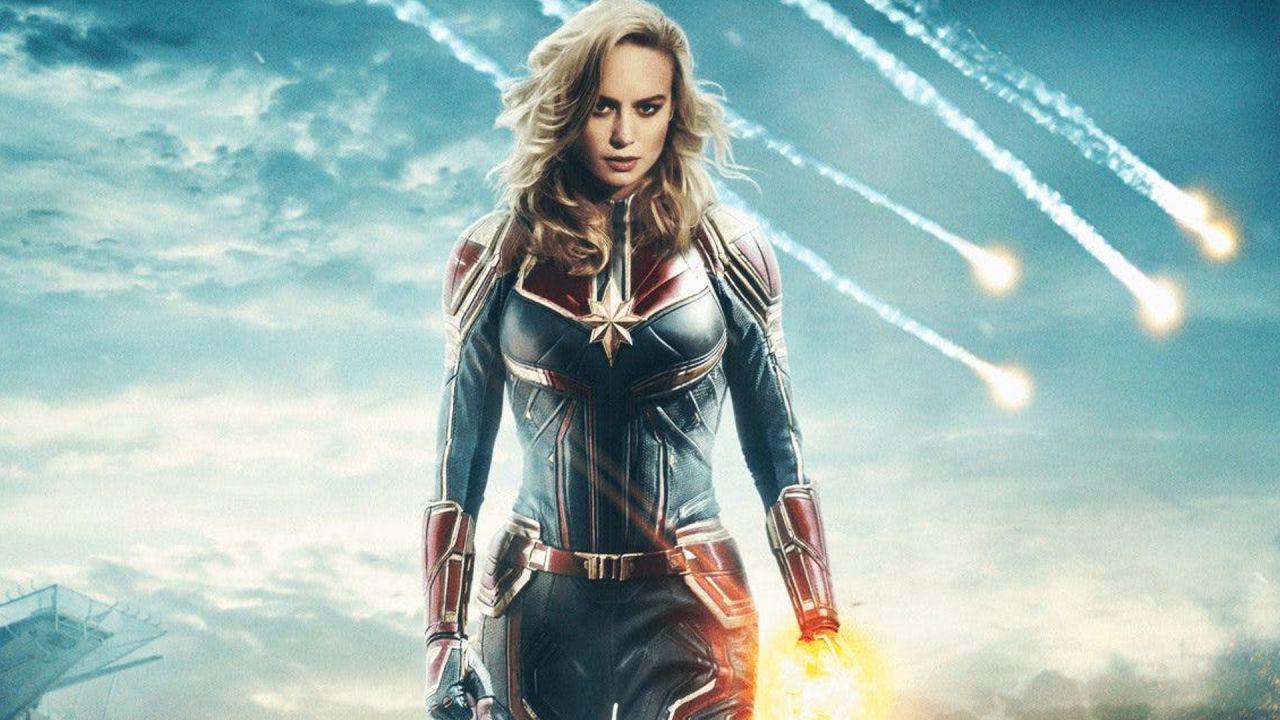 Captain Marvel: ecco le nuove foto ufficiali con la supereroina anni 90