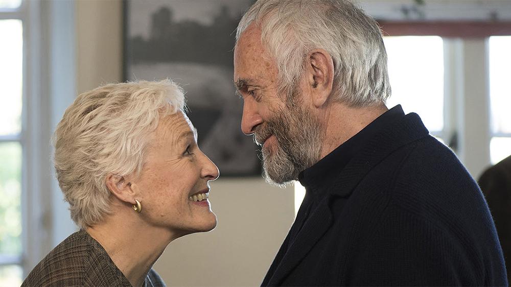 """""""The Wife – Vivere nell'ombra"""": la recensione del film con Glenn Close e Jonathan Pryce"""