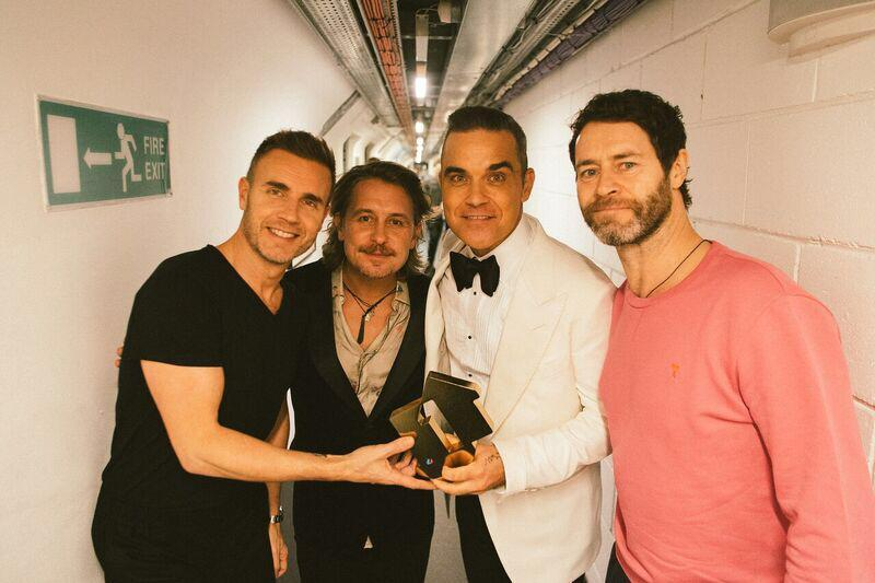 ROBBIE WILLIAMS, INCREDIBILE REUNION CON I TAKE THAT