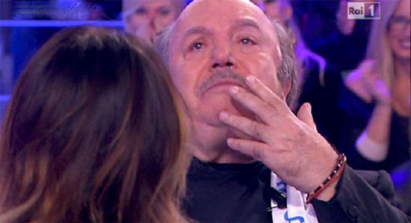 Lino Banfi in lacrime a Domenica In: «Mia moglie è molto malata, un dramma infinito»