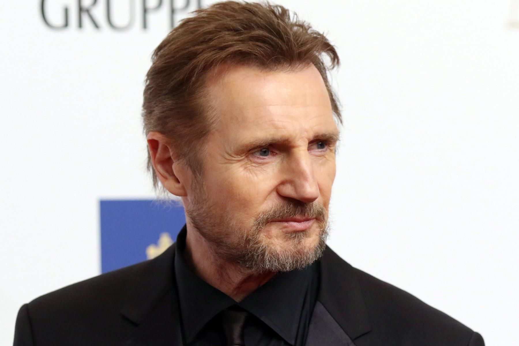 """Liam Neeson nella bufera: """"Anni fa andai in giro cercando un uomo di colore da uccidere…"""""""