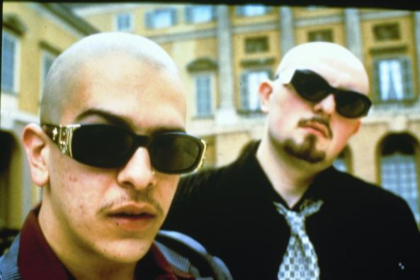 """Quando i Sottotono cantarono """"Mezze Verità"""" a Sanremo 2001"""