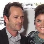 """Tiffani Thiessen distrutta per la morte di Luke Perry: """"Sul set di 'Beverly Hills 90210' mi ha protetto"""""""