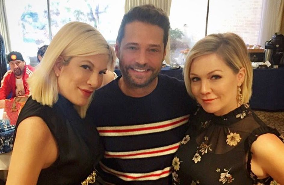 'Beverly Hills, 90210' Tori Spelling mostra nuove foto del revival