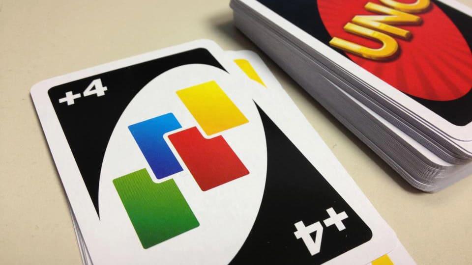 UNO, le carte +2 e +4 non sono cumulabili: un tweet dell'azienda lo conferma