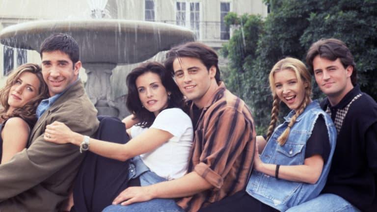 """Jennifer Aniston favorevole ad una reunion con tutti i """"Friends"""""""