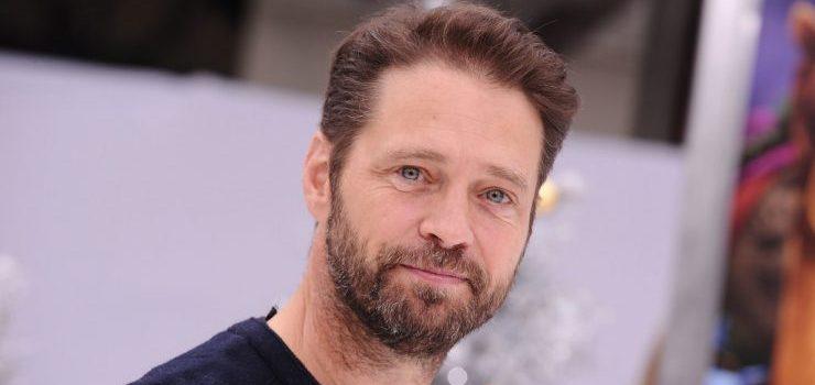 Beverly Hills 90210 revival, ecco chi sarà la moglie di Jason Priestley