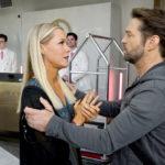 Jennie Garth parla di come è stato baciare Jason Priestley 25 anni dopo nel revival di Beverly Hills 90210