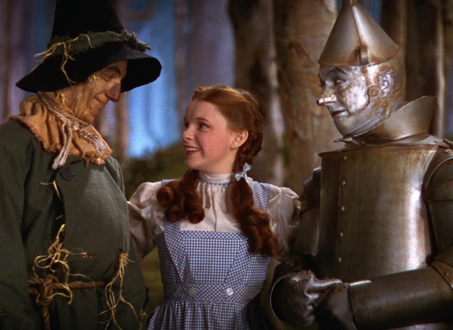 """""""Il Mago di Oz"""" compie 80 anni: il simpatico omaggio di Google con le scarpette rosse"""