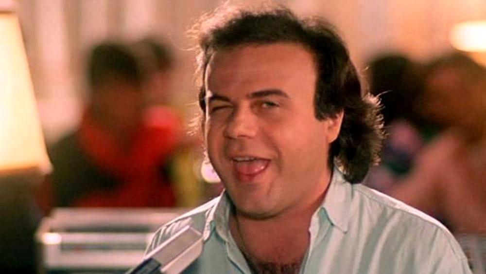 Jerry Calà ritrova la sua De Tommaso Turbo, l'auto con cui Billo arriva a Cortina nel film Vacanze di Natale