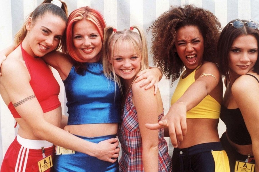 Mel B promette che le Spice Girls si esibiranno a Glastonbury il prossimo anno con Victoria Beckham