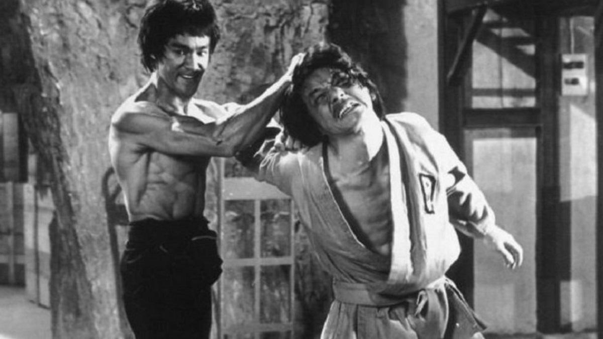 """Jackie Chan ricorda Bruce Lee e l'esperienza insieme sul set de """"I 3 dell'Operazione Drago"""""""