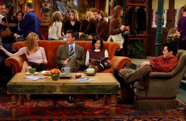 Il divano di Friends farà un tour in giro per il mondo e arriverà anche in Italia!