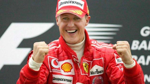 """Schumacher lascia l'ospedale: """"E' cosciente"""". Fitto il mistero"""