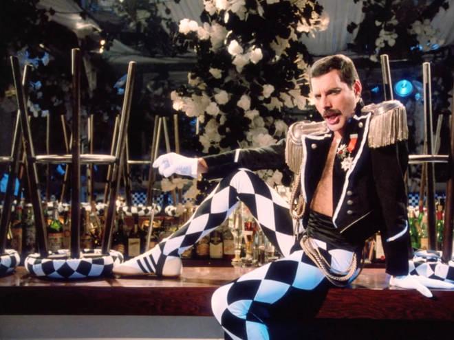Living On My Own di Freddie Mercury torna in radio con una versione inedita del video ufficiale