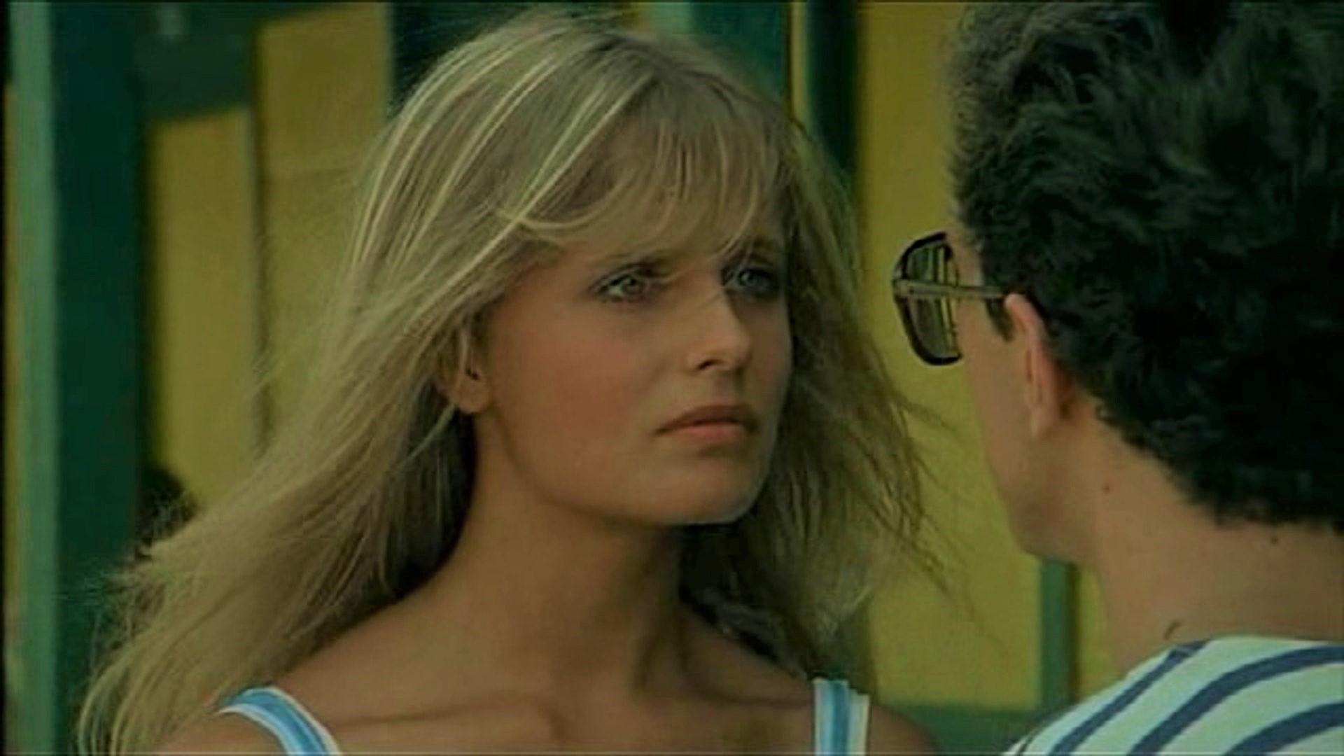 """Isabella Ferrari sul nuovo film """"Sotto il sole di Riccione"""": «Lo considero un sequel di Sapore di Mare»"""