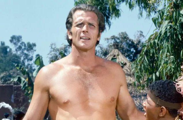 Dramma per Ron Ely, ex Tarzan tv: la moglie pugnalata a morte dal figlio, poi ucciso dalla polizia