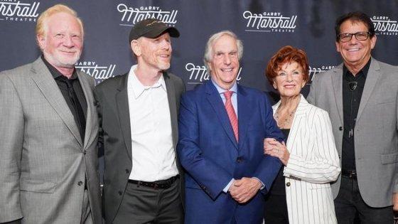 Henry Winkler ricorda Happy Days insieme al cast riunito