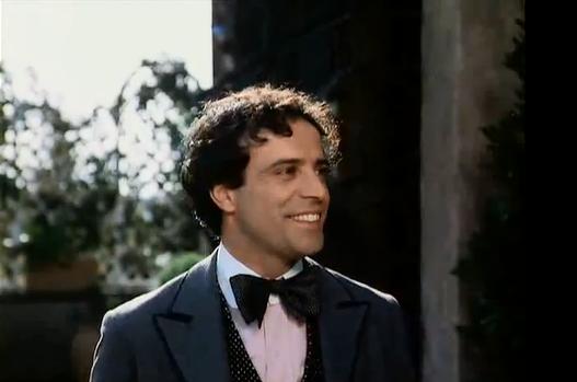 """Enrico Montesano ricorda IL CONTE TACCHIA: """"In quel set mi sono divertito molto"""""""