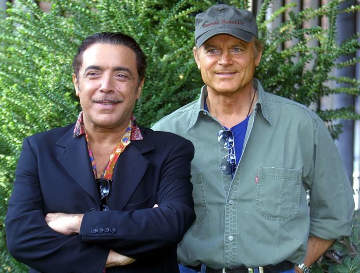 Terence Hill e Nino Frassica amici da 20 anni grazie a Don Matteo