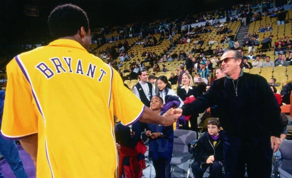 """Jack Nicholson grande fan di Kobe Bryant piange la sua morte: """"Quando gli chiesi l'autografo mi guardò incredulo"""""""