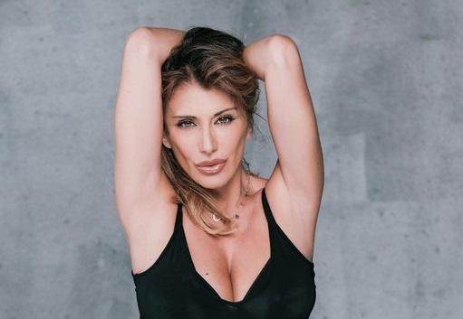 Il ritorno di SABRINA SALERNO in tv: sarà una delle conduttrice di Sanremo