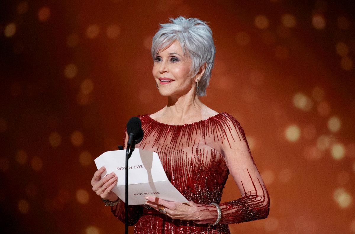 """Jane Fonda, addio alla chirurgia plastica: """"Era una droga, non mi farò tagliare mai più"""""""
