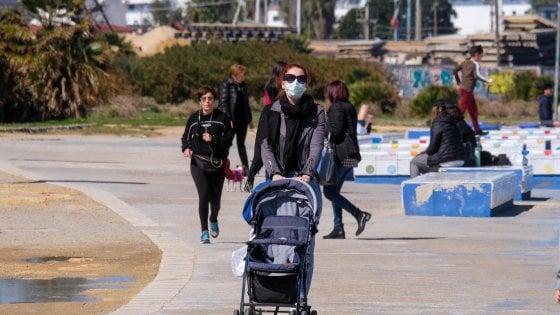Coronavirus, il Viminale conferma: non c'è il divieto di passeggiata