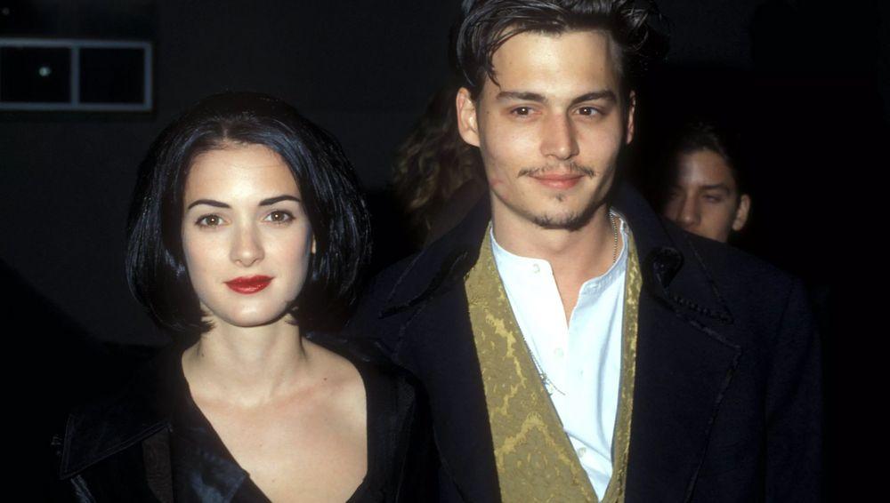 """Winona Ryder difende l'ex Johnny Depp: """"Non è mai stato violento… è un bravissimo uomo, affettuoso e amorevole"""""""