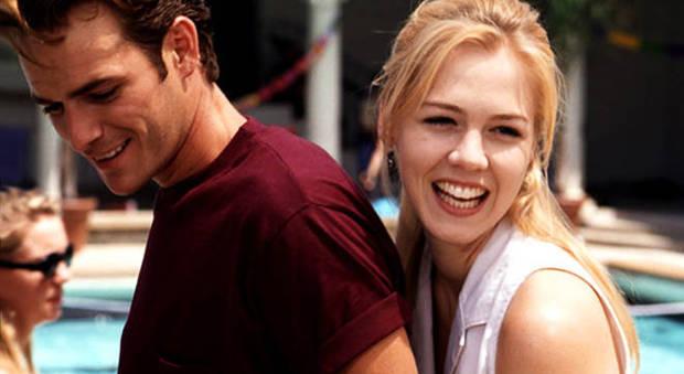 Jennie Garth ricorda Luke Perry e un incidente grave sul set di Beverly Hills 90210