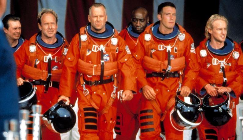 """Armageddon, Michael Bay: """"Lo studio ci rovinò il film, il mio supervisore agli effetti visivi ebbe un esaurimento nervoso"""""""