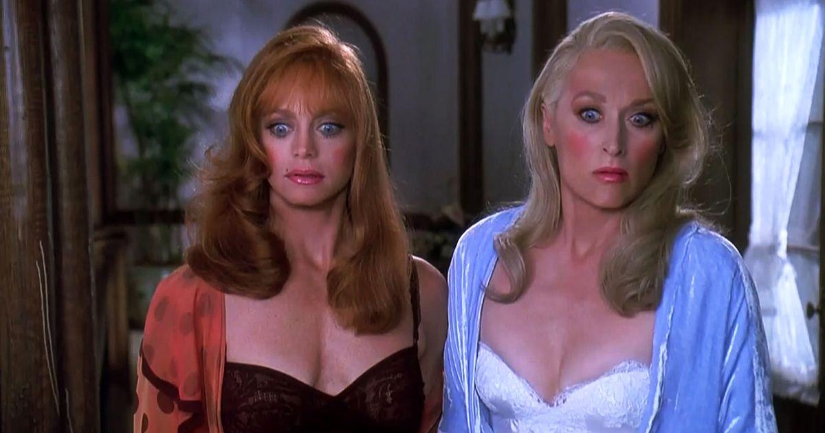 La morte ti fa bella: Meryl Streep ferì la Hawn in piena faccia in una scena, il finale alternativo e l'omaggio a Ritorno al Futuro