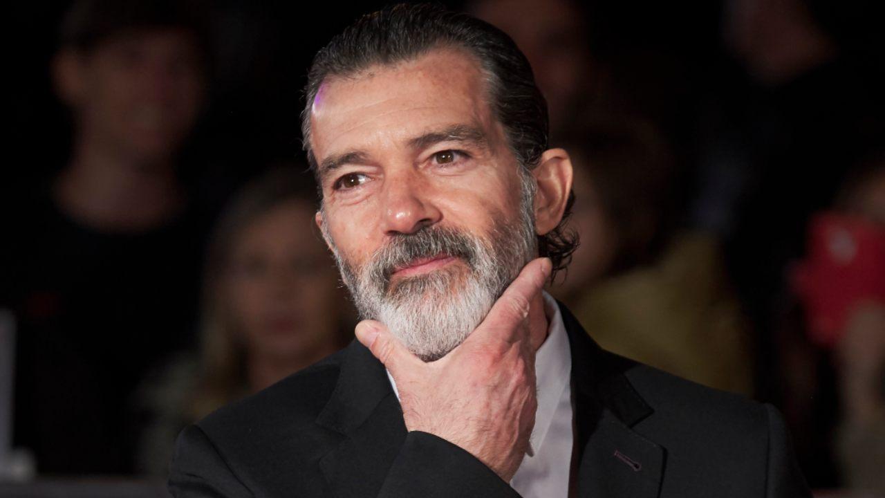 """Antonio Banderas: """"Sono positivo al COVID-19. Festeggerò i 60 anni in quarantena"""""""